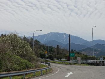 山々に残る雪