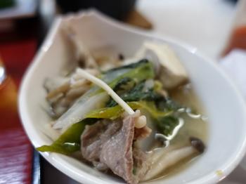 ささゆり荘の夕食・鍋はイノシシ肉