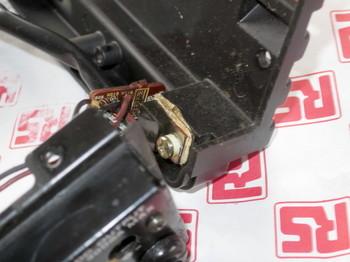 DC6V出力用のレギュレーターも筐体にネジ止め