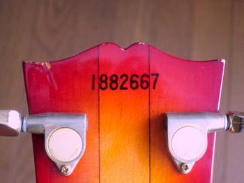 ヘッド裏のシリアル番号