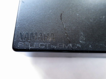 YAMAHA SELECT by EMGの表示がある