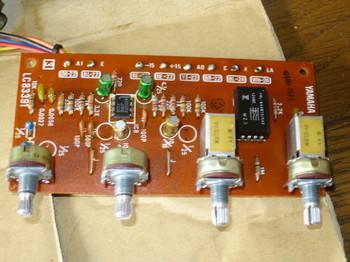 一部のコンデンサを交換したプリアンプAチャネル基板