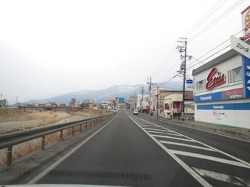 車内から見る景色は冬