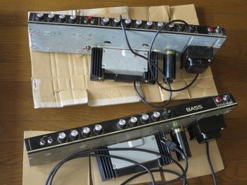 トランジスタ・ギターアンプF100-212とトランジスタ・ベースアンプF100-115B