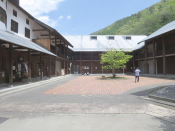 道の駅木曽ならかわ:木曾くらしの工芸館