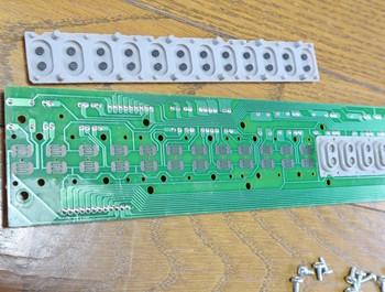 スイッチは普通の電卓と同じ構造