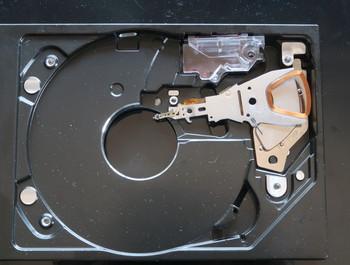 ハードディスクを取り払ったユニット内部