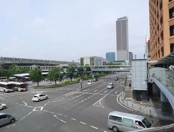 ペデストリアンデッキ北東端から見るJR岐阜駅