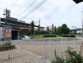 バスセンターの東には名鉄岐阜駅が見える