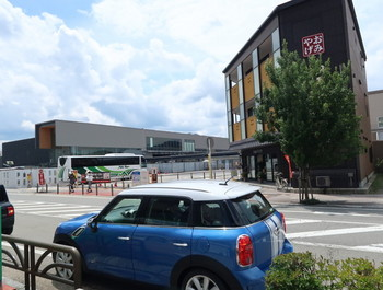 高山バスセンターは工事中の場所がある