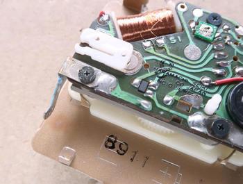 液漏れの被害は電池用電極だけだった