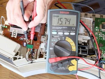 LEDの電源を取り出す前に測定する