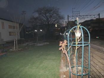 JR伊那北駅西の公園(ストロボ有)