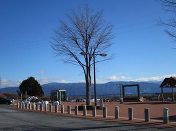 小黒川PAから南方向を見ても山に雪が無い
