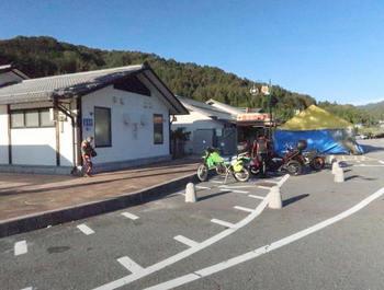 道の駅信州平谷は平日でもバイクが多い
