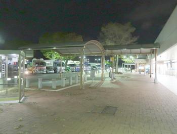 夜の小黒川PA