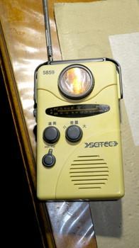 電気二重層コンデンサに交換したラジオ