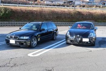参加車両のBMWとジュリエッタ
