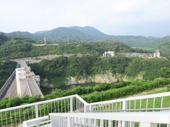 小里川ダム展望台
