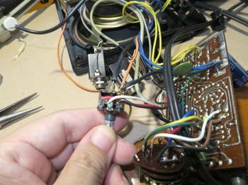 AC100V配線は電源スイッチにもある