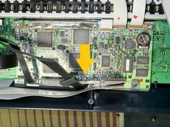 問題のコンデンサが載っているメインボード