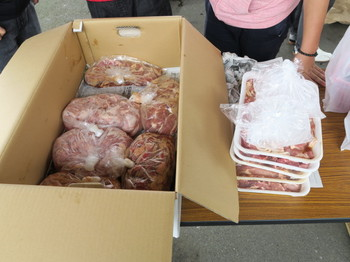 用意した肉は大量だ