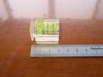 以前使っていたシュー取り付けタイプの水準器