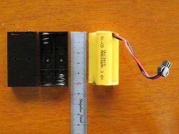 単四用電池ケースなら長さは同じ
