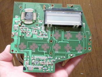 液晶表示部は音声信号とは無関係