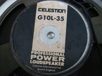 スピーカーはSeletionのG10L-35