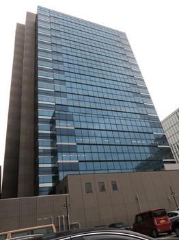 作品を搬入した名古屋市中区役所