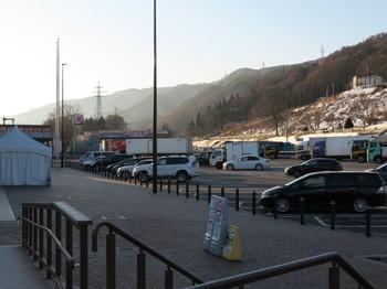 諏訪湖SAの駐車スペースは空いていた