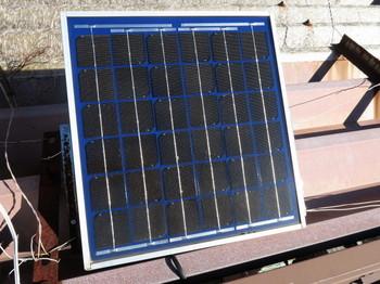 バイク用に使っている太陽電池パネル