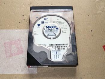 分解するハードディスク