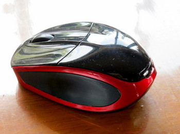 バッファローのワイヤレスマウスBSMLW09SBK