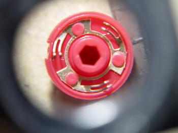 磨いたロータリーエンコーダーの接点部を修正した後