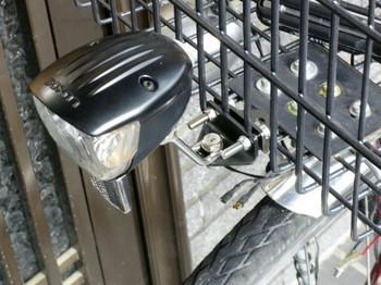 手持ちの金具を流用してLEDヘッドライトを取り付ける