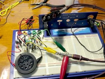 LM386で仮組したアンプ